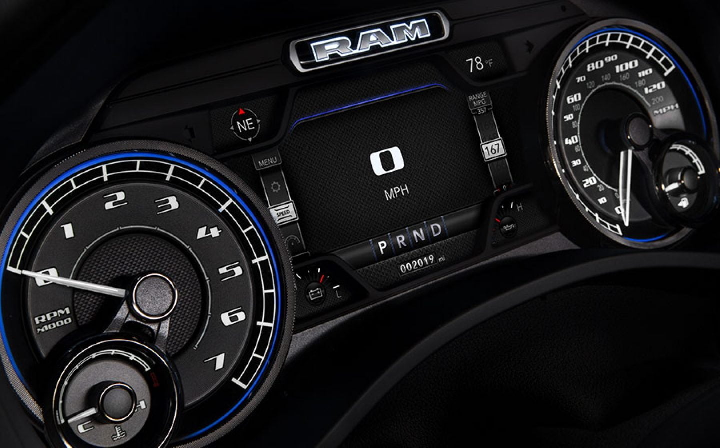 2019 ram 1500 Interior Tech display agt europe