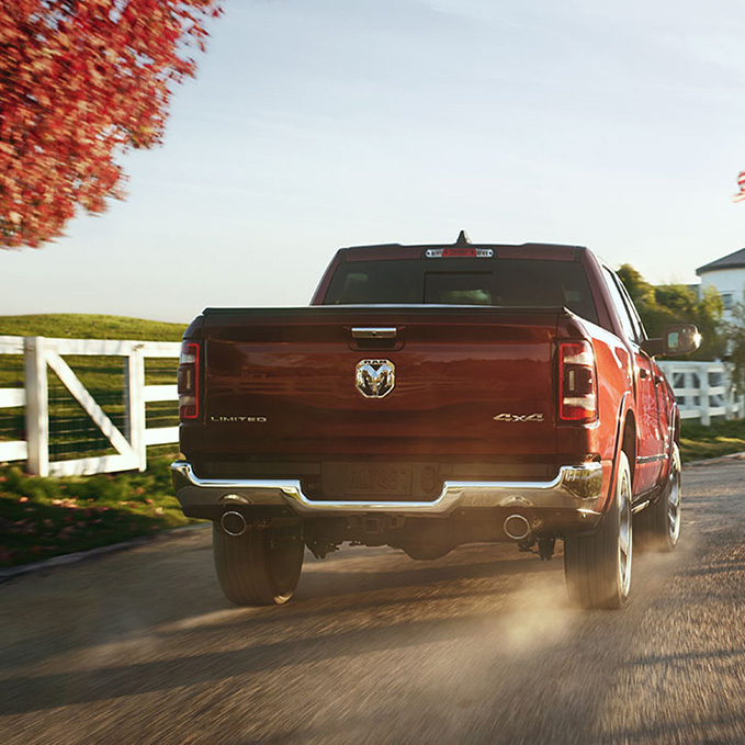 ram 1500 limited 4x4 offroad